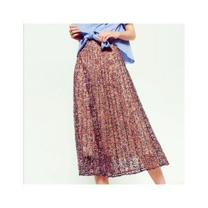 Zara Lace Pleated Floral Skirt